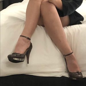 Guess brown leather ankle strap platform heel 6